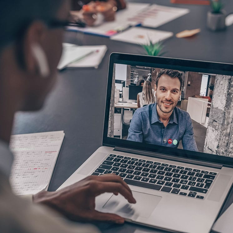 video conference of it recruiter discussing recruitment agency partnership with candidate