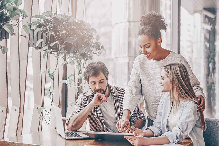 it professionals with soft skills for 2022 working together