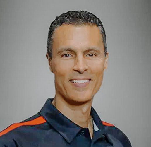 top chiropractor dr. michael sosa of westchase chiropractic